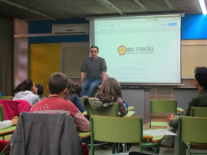 sc·madia dona tallers als estudiants de Santa Coloma